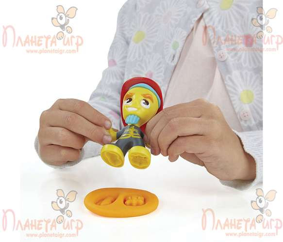Набор для лепки Play-Doh Город. Пожарная машина